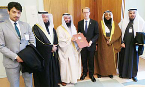 Kuwaiti lawmakers during their meeting with Swedish foreign undersecretary