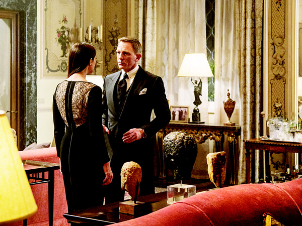 In this image released by Metro-Goldwyn-Mayer Pictures/Columbia Pictures/EON Productions, Monica Bellucci (left), and Daniel Craig appear in a scene from the James Bond film, 'Spectre'. The movie released in US theaters on Nov 6, topped the global box office with $117.8mn. (AP)