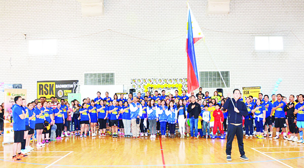 RSK members and tourney participants singing the Philippine national anthem with Vista Land team headed by Abe Malicdem.