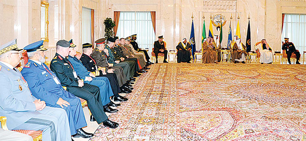 His Highness the Amir Sheikh Sabah Al-Ahmad Al-Jaber Al-Sabah receives Defense Minister and Chiefs of Staff of members of the US-led coalition against the so-called Islamic State (IS).