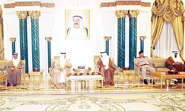 Deputy Prime Minister and Minister of Interior and Acting Minister of Defense Sheikh Mohammad Khaled Al-Sabah in dialogue with Bahraini Minister of Interior Rashid bin Abdullah Al-Khalifa.