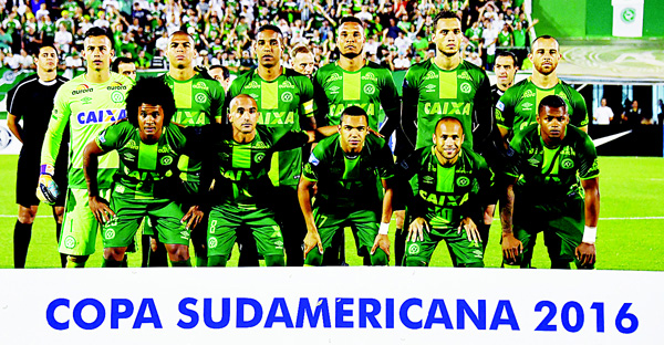 This file photo taken on Nov 24, shows Brazil's Chapecoense players posing for pictures during their 2016 Copa Sudamericana semifinal second leg football match against Argentina's San Lorenzo held at Arena Conda stadium, in Chapeco, Brazil. A plane carrying 81 people, including members of a Brazilian football team, crashed late on Nov 29, near the Colombian city of Medellin, officials said. The airport that serves Medellin said that among the 72 passengers and nine crew were members of Chapecoense Real, a Brazilian football club that was supposed to play against Colombia's Atletico Nacional Wednesday in the South American Cup finals.   (AFP)