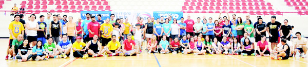 Participating teams of the 41st Major Conference organised by Filipino Badminton Association of Ahmadi pose for a family photo before their games.