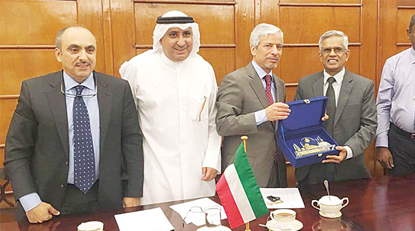 The KFAED and the Sri Lankan officials after signing the KD 10 million loan agreement in Sri L