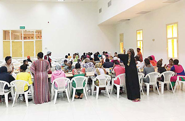 The delegation went around the kitchen and closely watched the meals served to inmates before inspecting the auditorium for celebrations and other activities