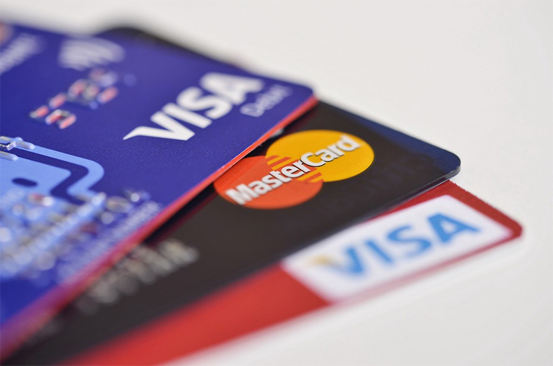 Indian held for stealing Kuwaiti woman's credit card and misusing it